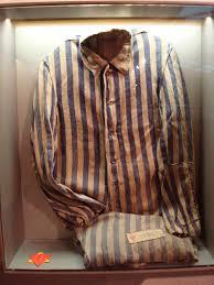 Sachsenhausen gibi toplama kamplarında kullanılan giysi