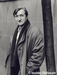 Barnes The Sense of an Ending (Bir Son Duygusu) isimli kitabı ile Man Booker Roman Ödülü'ünü kazanmış.