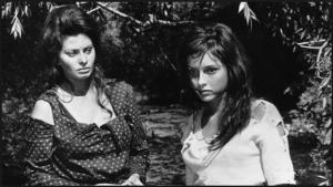 Loren burda kendi yaşına göre çok büyük bir kadını oynamaktadır ve kanımca en başarılı olduğu filmlerden birisi budur