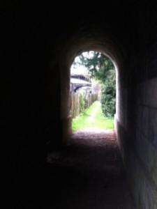 Jane Austen'ın yaşadığı evlerden birinin yakınındaki bahçe...